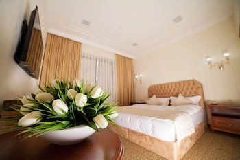 Slika: The Plaza Hotel ‒ Almati