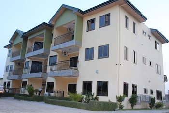 Picture of Evergreen Apartments in Adenta