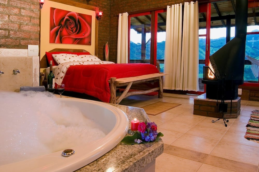 Superior Chalet, Hot Tub - Guest Room
