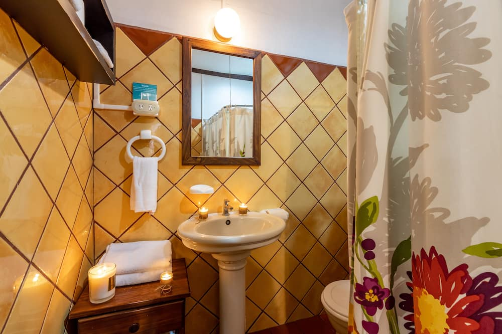 Signatur-værelse - 2 queensize-senge - ikke-ryger - privat badeværelse - Badeværelse