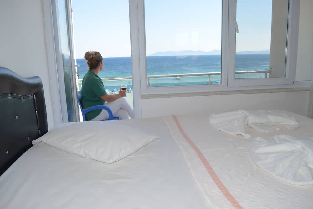 Стандартный двухместный номер с 1 двуспальной кроватью, вид на море - Вид из номера