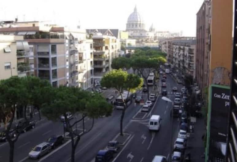Holiday Special Guest Rome and Vatican Flat, Rome, Lejlighed - 3 soveværelser, Udsigt fra værelse