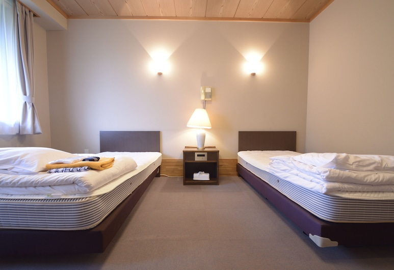 Kaze No Hibiki, Nikas, Dvivietis kambarys (2 viengulės lovos), bendras vonios kambarys, Svečių kambarys