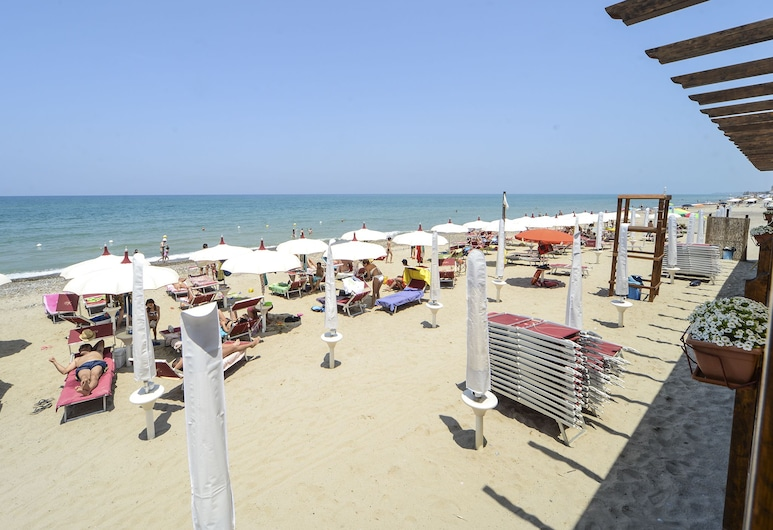 Gelso Bianco Apartments, Campofelice di Roccella, Playa
