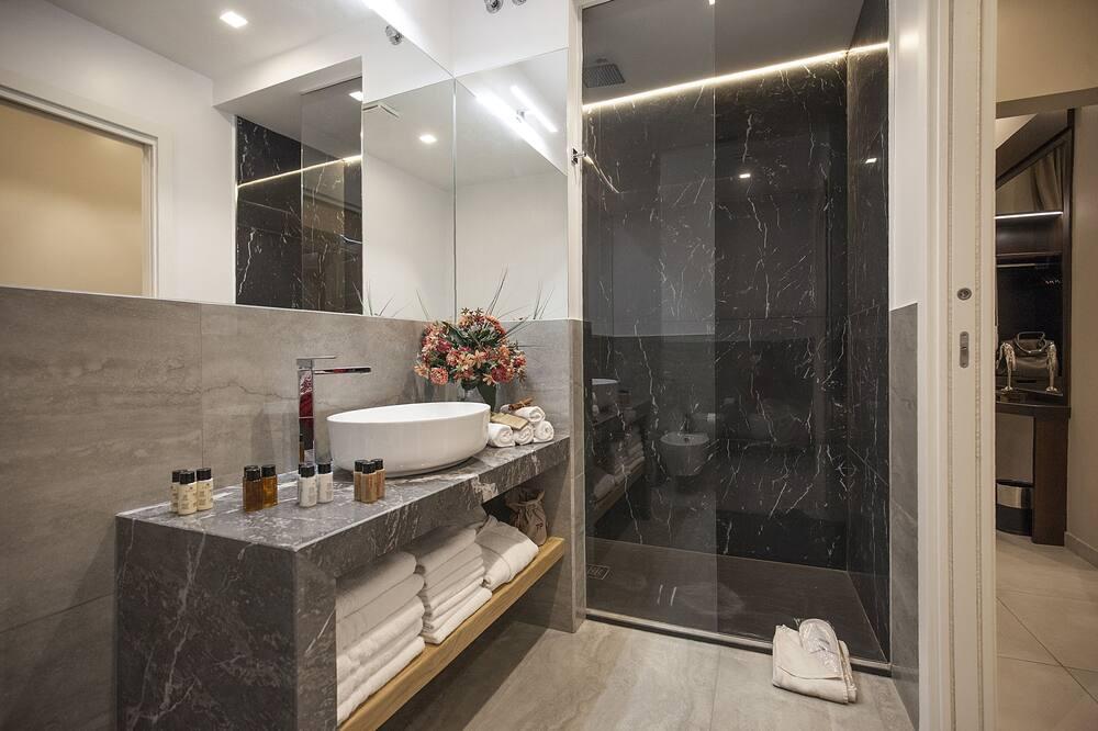 豪華客房, 熱水浴缸 - 浴室