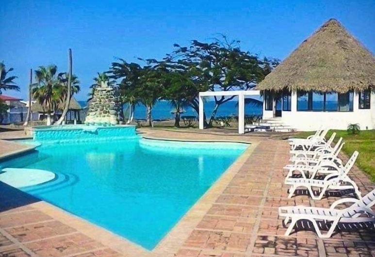 Hotel Puerto Cangrejo, טקולוטלה, בריכה חיצונית