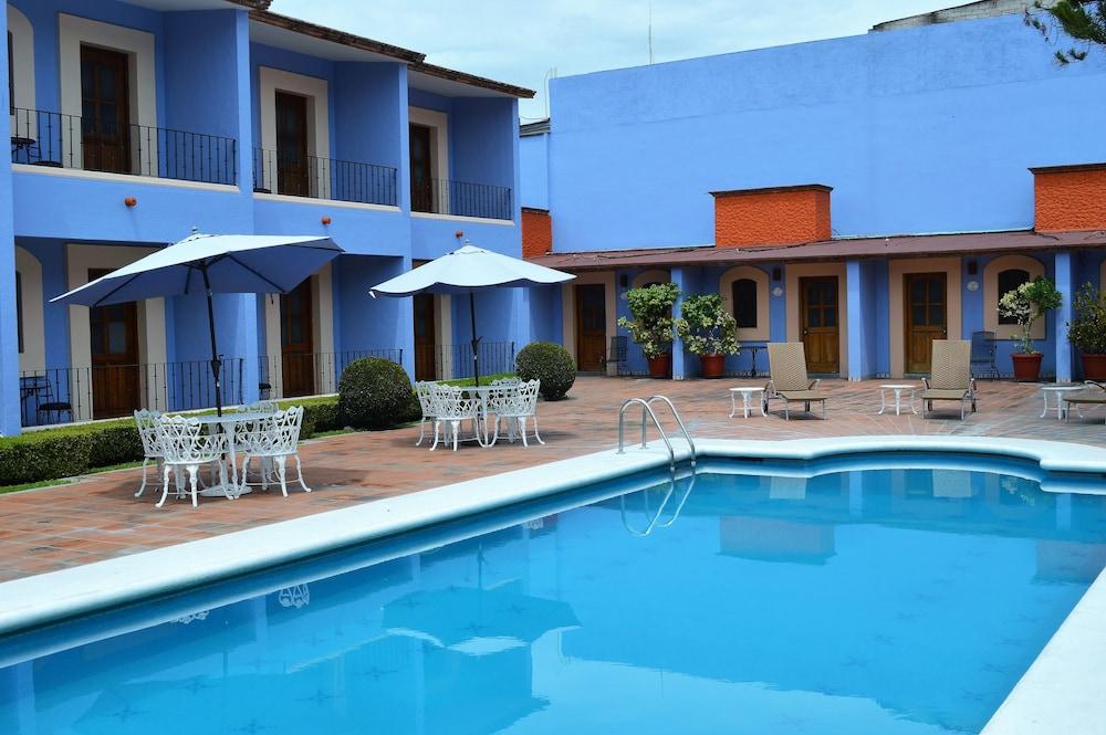 Hotel Santa Helena Plaza Oaxaca Outdoor Pool