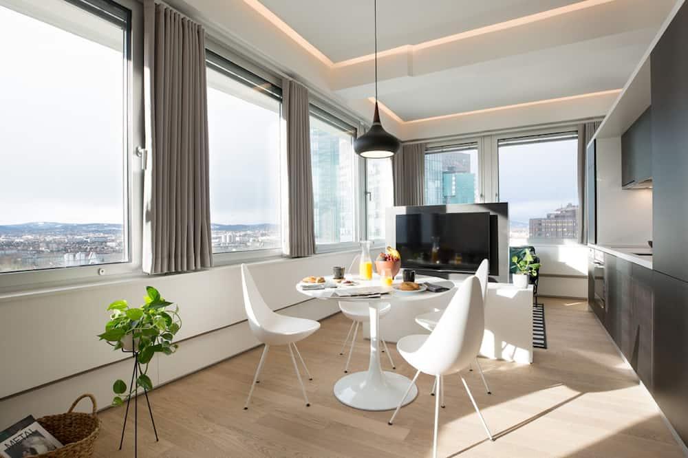 Executive-lejlighed - 1 kingsize-seng - Spisning på værelset