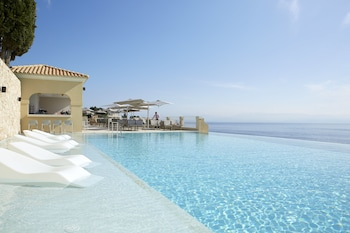 ภาพ Marbella Nido Suite Hotel & Villas - Adults Only ใน คอร์ฟู