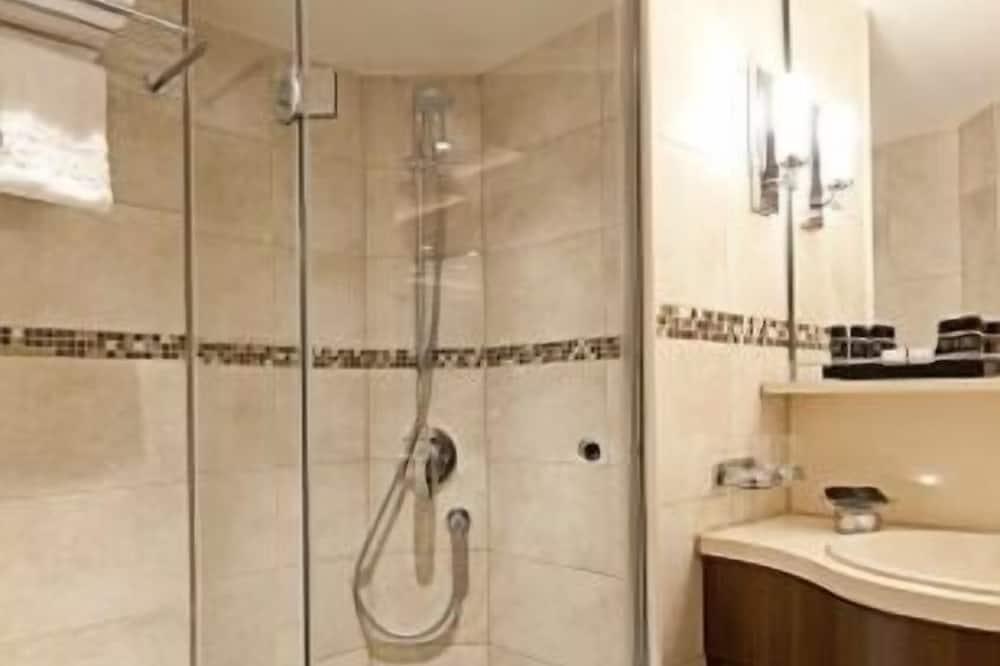 Comfort Double Room - Bathroom Shower