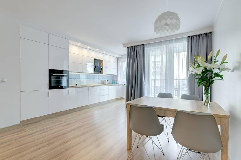 Dzīvokļnumurs, virtuvīte (Azure) - Dzīvojamā zona