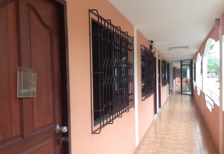 Baan Sook Residence Pattaya, Pattaya, Terrace/Patio