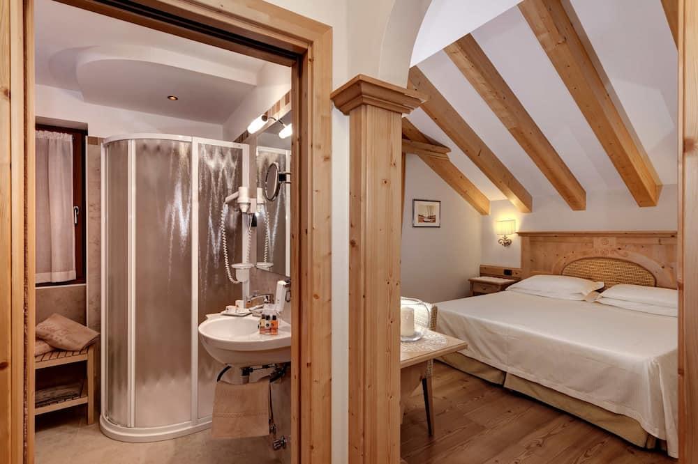 Superior-Doppel- oder -Zweibettzimmer, Balkon - Badezimmer