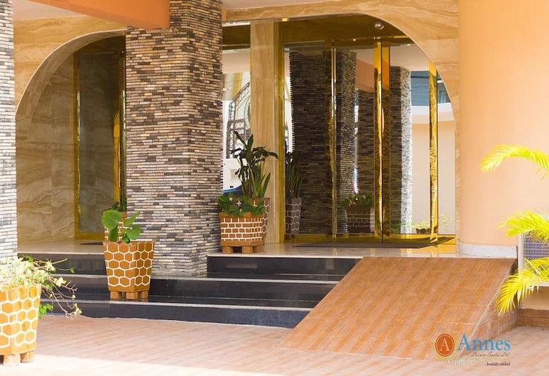Annes Luxury Suites Ltd, לאגוס