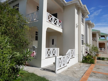 Picture of Clearwater Apartments in Oistins