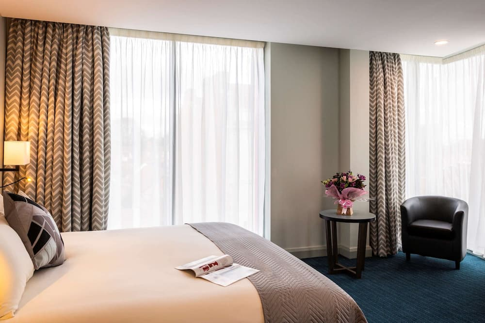 Superior Room, 1 King Bed - Guest Room