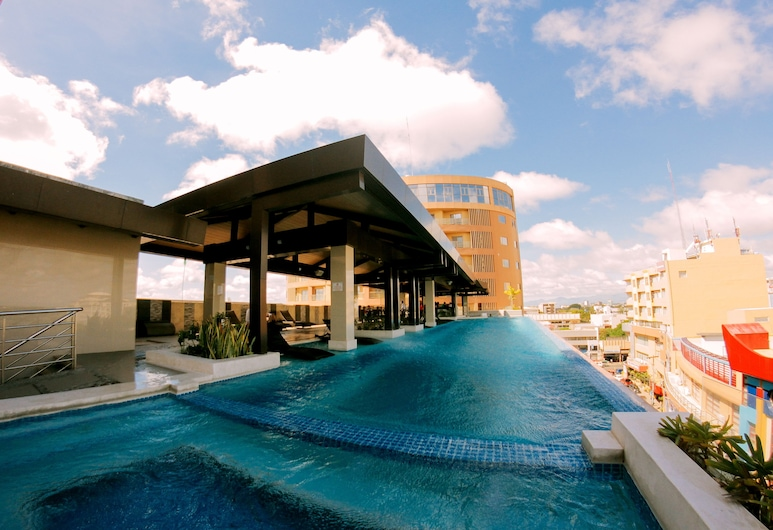 Grand Xing Imperial Hotel, Iloilo, Infinity Pool