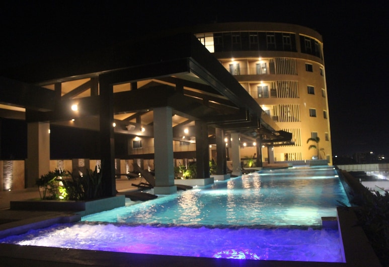 Grand Xing Imperial Hotel, Iloilo, Outdoor Pool