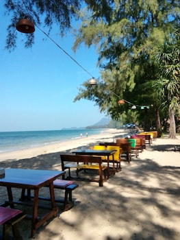 Picture of Koh Jum Freedom Resort in Nuea Khlong