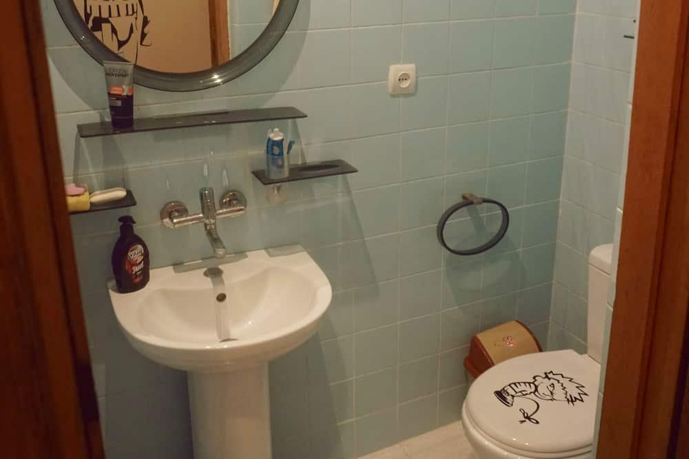 Camera Standard con 2 letti singoli, bagno condiviso - Bagno