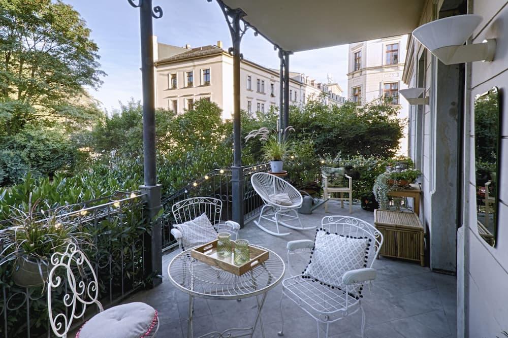 Design Apartment, 3 Bedrooms, Balcony - Balcony