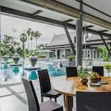 Villa, 5 Bedrooms - Balcony