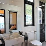 Family Quadruple Room, Beach View (Wave) - Bathroom