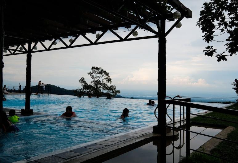 The Duyan House at Sinagtala Resort, Orani, Outdoor Pool