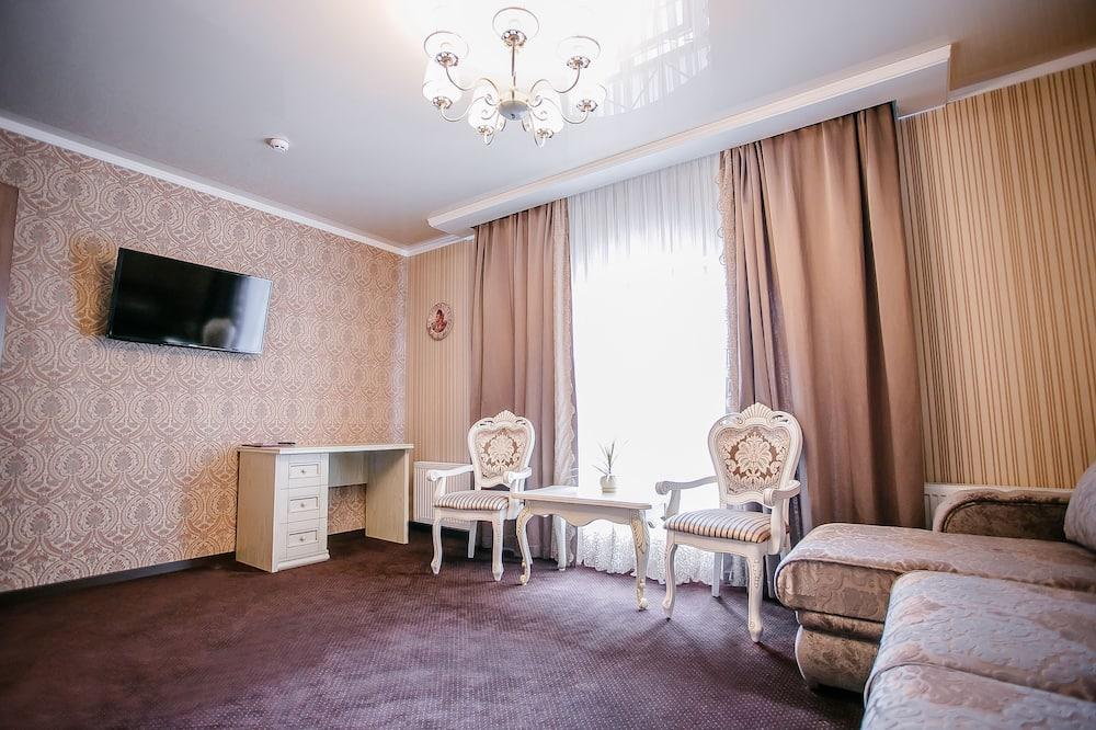 Deluxe Double Room, 1 Bedroom - Living Room