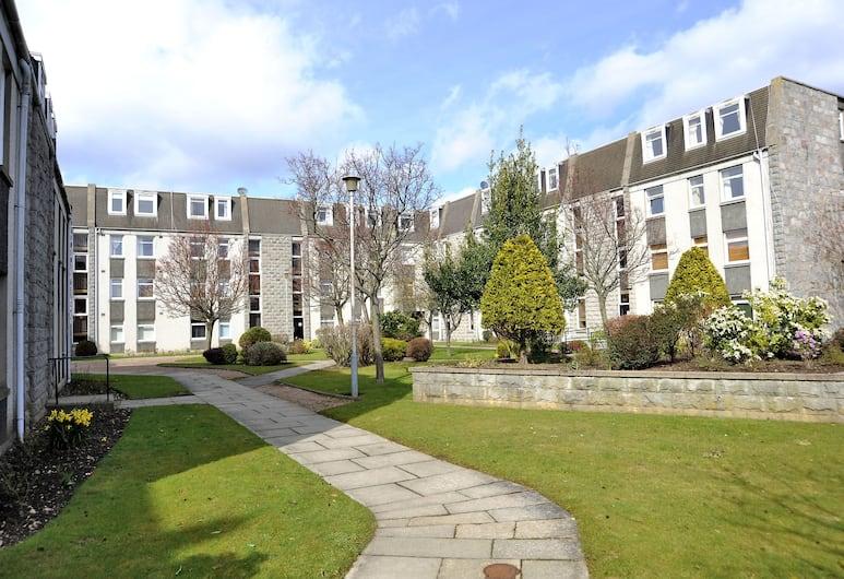 Home from Home Aberdeen, Aberdeen, Property Grounds