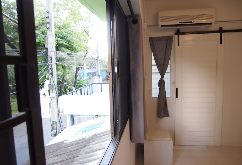 Stay Awhile, Chiang Mai, Chambre Deluxe, Vue depuis la chambre