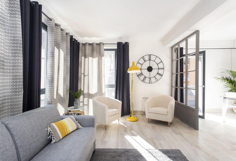 SkyTower - The Right Space, Rome, Appartamento Exclusive, 2 camere da letto, accessibile ai disabili, vista giardino, Soggiorno
