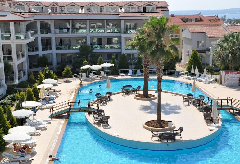 Akbük Palace Hotel & Residence, Didim, Välibassein