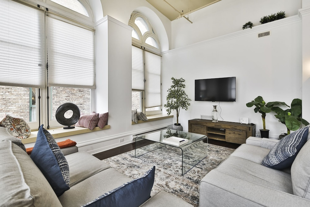 Luxury Apartments Heart Of Old Montreal, Montreal, Luxury Apartment, 3  Bedrooms, Guest