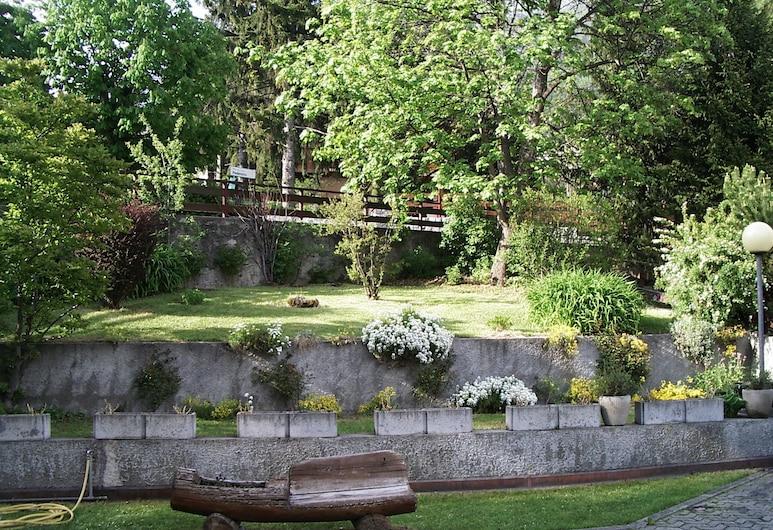 HOTEL TERME, Bormio, Jardín