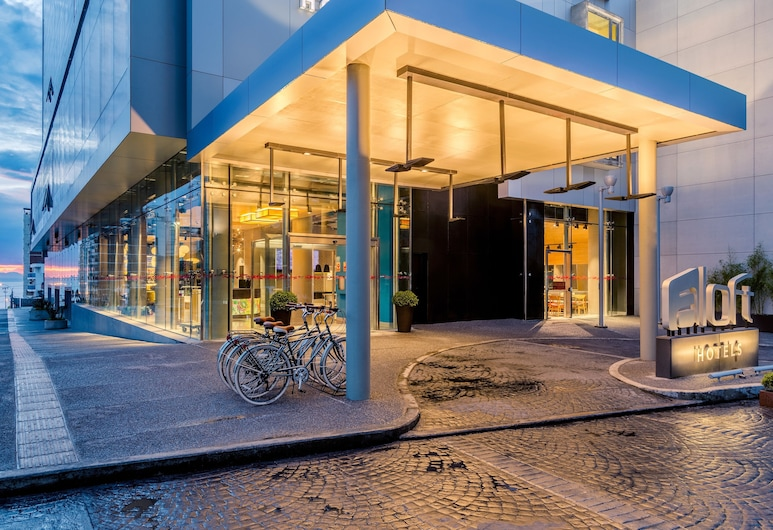 Aloft Montevideo Hotel, Montevideo, Vchod do hotelu