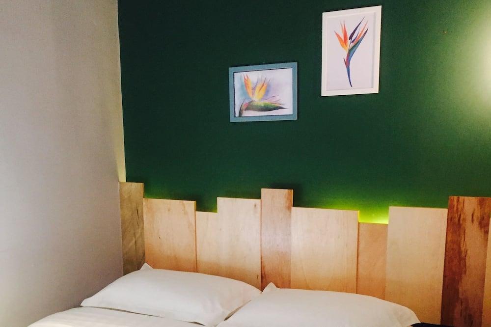 Standard szoba, ablakok nélkül - Mini-hűtőszekrény