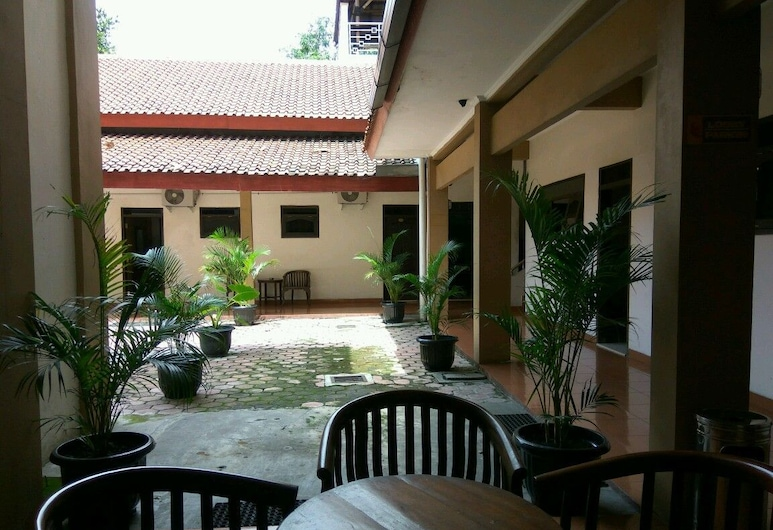 Graha Hotel, Sragen, Terraza o patio