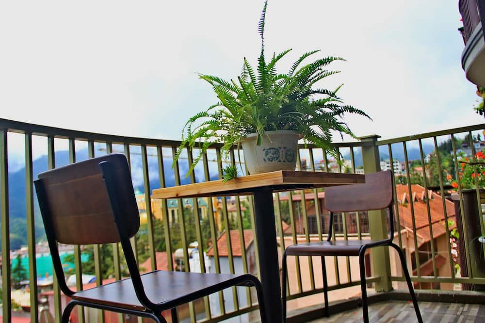 Тримісний номер «Делюкс», з балконом, з видом на гори - Балкон