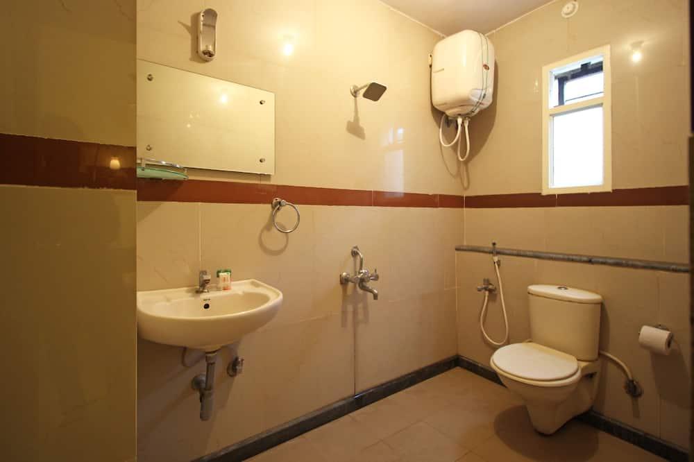 Chambre Standard Double ou avec lits jumeaux, 1 lit double, salle de bains privée - Salle de bain