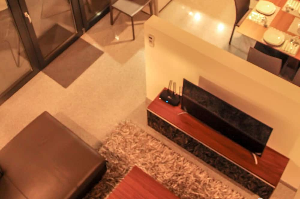 Superior Penthouse, 3 Bedrooms, Balcony - Living Area