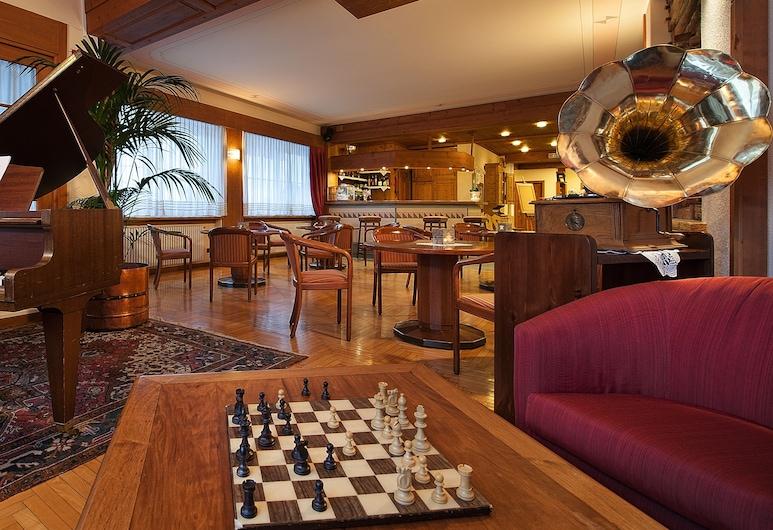 Hotel Larice Bianco, Bormio, Sala de estar en el lobby