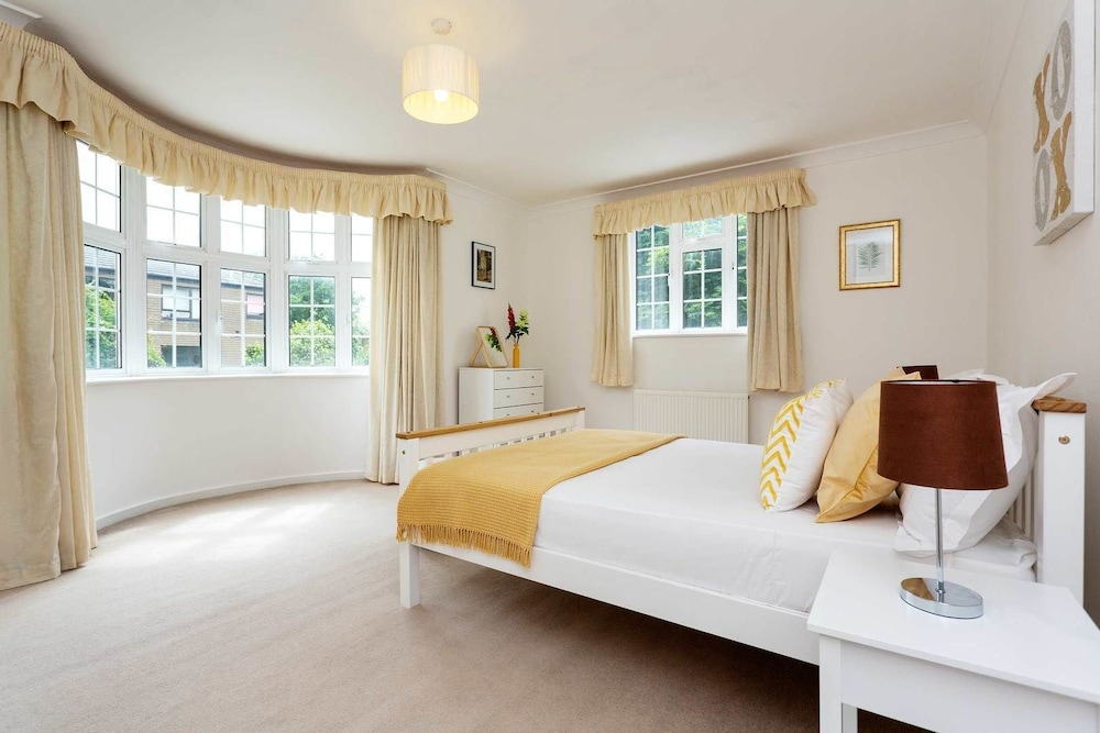 Veeve Wimbledon Close London Apartment 3 Bedrooms The Downs