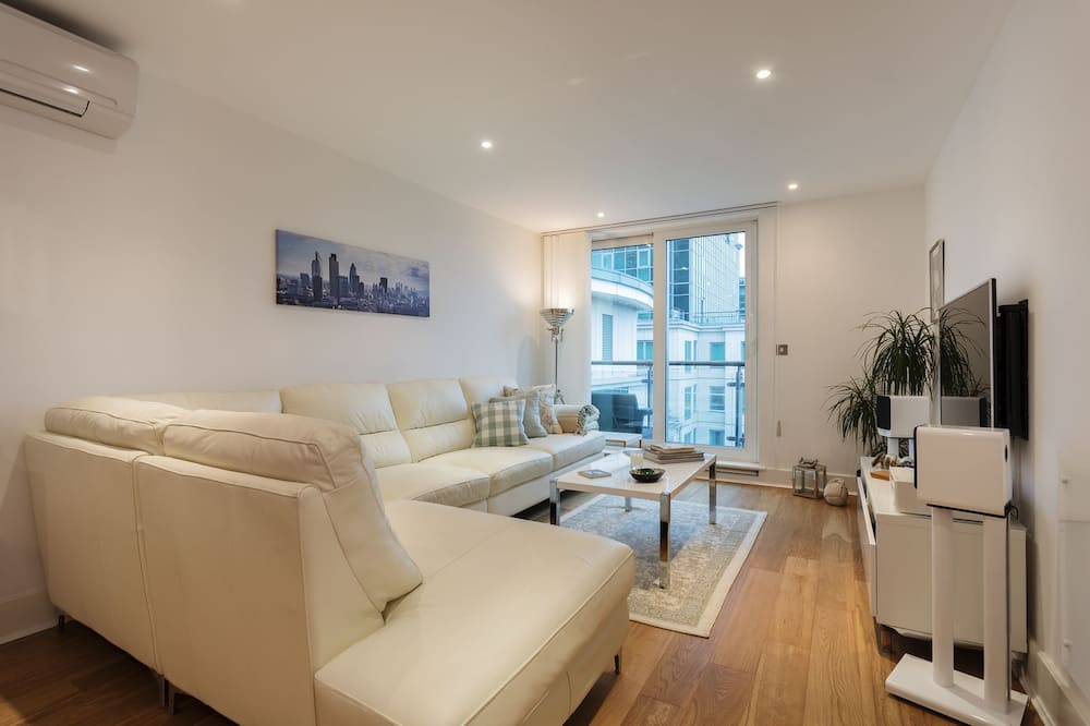 Apartment, 2 Bedrooms (St George's Wharf, Vauxhall) - Living Area