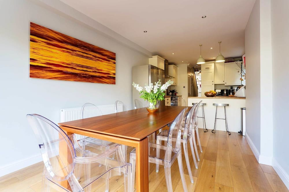 Hus - 3 sovrum (Rudloe Road, Clapham) - Matservice på rummet