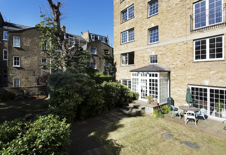 Veeve - 3 bed flat with parking, Walford Road, Stoke Newington, Londýn