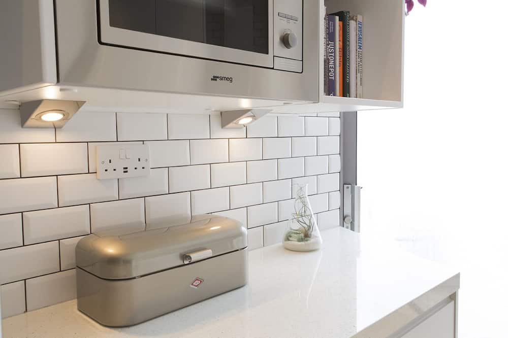Apartment, 3 Bedrooms (Red Square, Stoke Newington) - Private kitchen