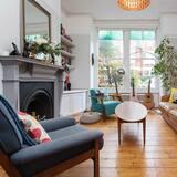 Māja, piecas guļamistabas (Fairbridge Road, Archway) - Dzīvojamā istaba
