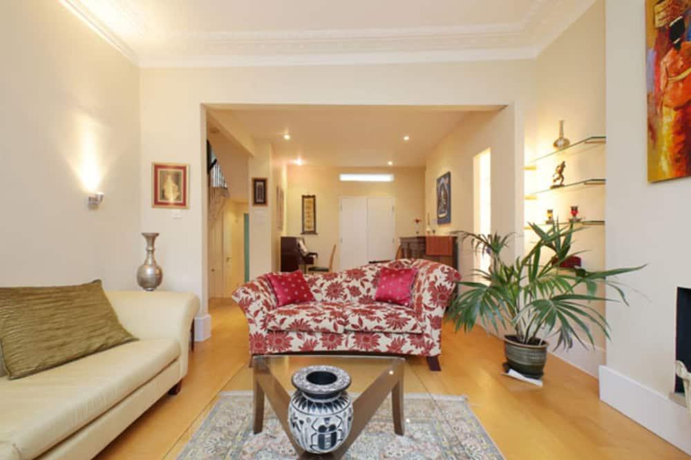 Huis, 4 slaapkamers (Balfour Road, Highbury) - Woonruimte