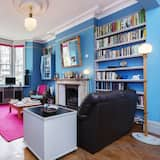 House, 2 Bedrooms (Courthope Road, Hampstead) - Living Area